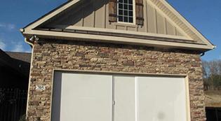 Lifestylescreens3-Lifestyle Screens-Garage Door Screens-Residential Garage Doors-Alberts Custom Door-Wichita, KS