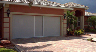 Lifestylescreens4-Lifestyle Screens-Garage Door Screens-Residential Garage Doors-Alberts Custom Door-Wichita, KS
